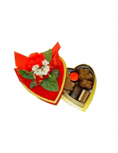Decorated Velvet Heart with Pralinés